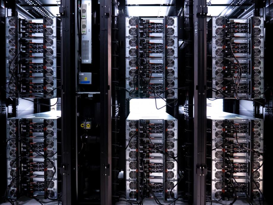 Racks of storage arrays, unpowered.